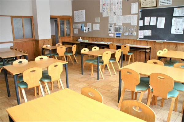 九里学園ホームルーム室